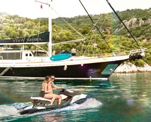 """Luxury yacht """"Viva Shira"""""""